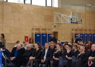 Otvorena sportska dvorana Osnovne škole Zvonka Cara u Crikvenici